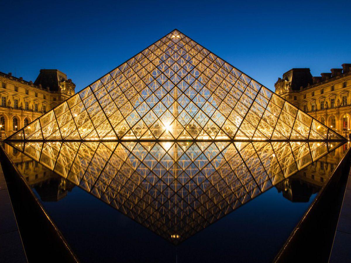louvre_pyramid_after_sunset_by_digitalbrain_d5jqsqo.0.0.0